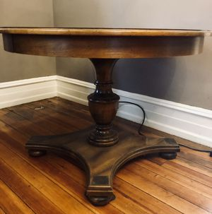 Pedestal Table for Sale in Philadelphia, PA