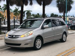 2008 Toyota Sienna for Sale in Boynton Beach, FL