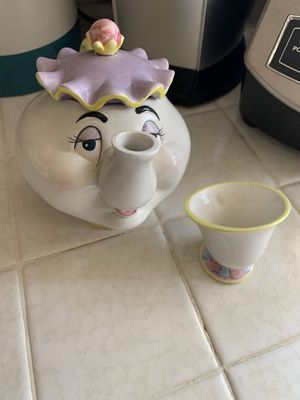 Mrs Potts and Chip teapot set for Sale in Fresno, CA