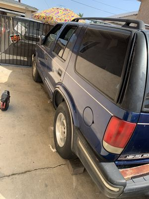 Chevy blazer 2004 and 2001 GMCtruck for Sale in Lawndale, CA
