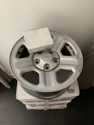 "17"" stock Jeep Wrangler Unlimited wheels with hardware for Sale in Montgomery, AL"
