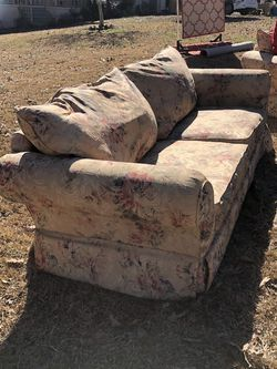 Couch And Love Seat Set for Sale in Jonesboro,  GA