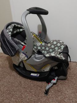 Baby Trend Car Seat for Sale in Decatur,  GA