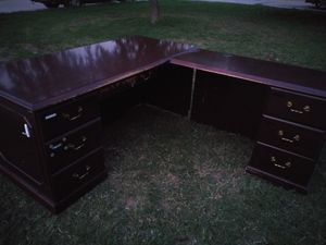 L shaped office desk for Sale in Fort Worth, TX
