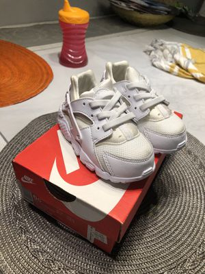 Toddler Nike Huarache Run 6c for Sale in Los Angeles, CA