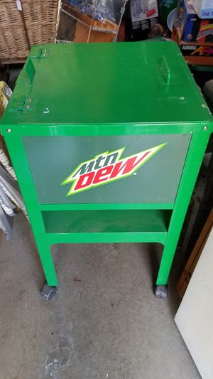 Mt Dew Cooler on Wheels for Sale in NEW ALEXANDRI, PA