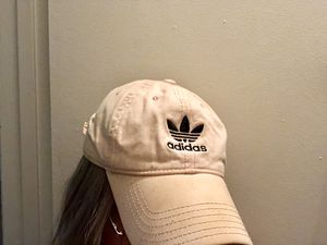 ADIDAS LIGHT PINK CAP for Sale in Raleigh, NC
