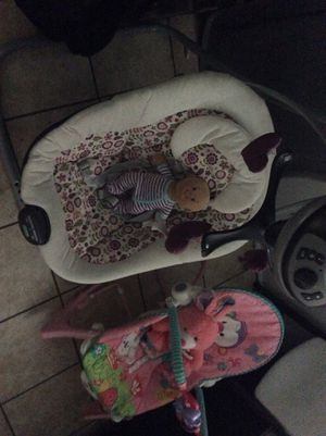 Graco Baby Swing and Rocking Chair for Sale in Hyattsville, MD