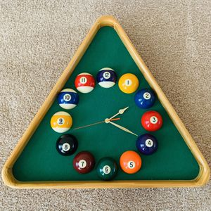 Wall Pool Ball Clock (works great) (pickup today) for Sale in Crofton, MD
