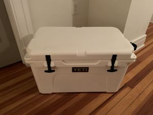 Yeti Tundra 45 Cooler for Sale in Washington, DC