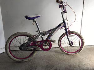 Girls Schwinn bike with front and back breaks for Sale in Matawan, NJ