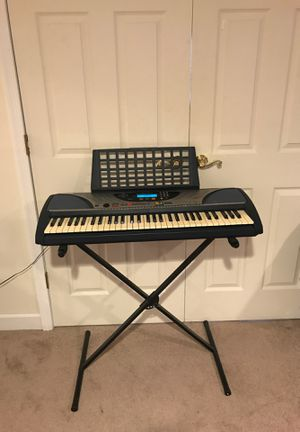 Yamaha PSR-240 Keyboard Synth 61-key Digital Piano w/Star Wars Theme Built-in for Sale in Lovettsville, VA