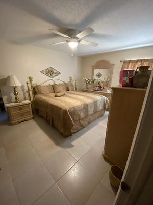 Complete King Bedroom Set-includes mattress set, dressers, mirror and nightstand for Sale in Tampa, FL