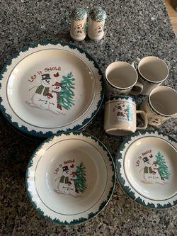 Christmas Dining Set (4) for Sale in Ashburn,  VA