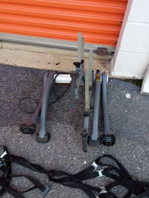 Saris bicycle rack holds 3 bicycle for Sale in Hyattsville, MD