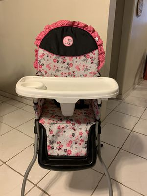 Baby Minnie Mouse high chair for Sale in Los Angeles, CA