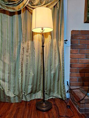 Elegant Floor Lamp for Sale in Garden Grove, CA
