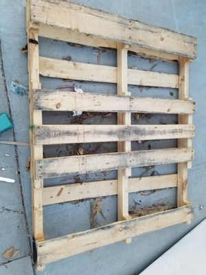 3 pallets free for Sale in Lake Elsinore, CA