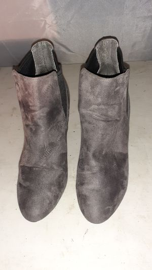 BGB Generation (BG Dolan) Girls Grey & Black Heeled Boots Size 7M (US)/37 (Euro) for Sale in Shoreline, WA
