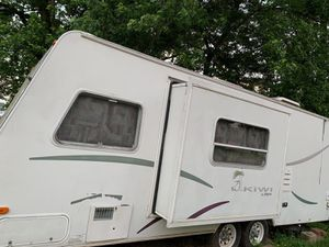 2010 28' kiwi camper for Sale in Newark, OH
