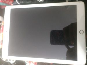 iPad 5 generation, 32 gb and WI-FI for Sale in Concord, CA