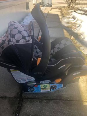 Chicco KeyFit 30 Infant Car seat for Sale in Farmington, MN