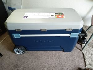Cooler Igloo Ice chest for Sale in Sanger, CA