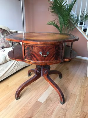 Table antique for Sale in MONTGOMRY VLG, MD