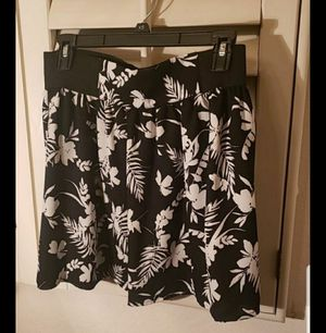 Peoria az Juniors Joe B skirt light fabric medium new please read description for pick up location options for Sale in Peoria, AZ