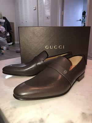 Gucci Shoes: Gucci Men's New leather saddle cocoa loafer for Sale in Tampa, FL