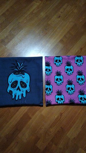 Pineapple skull Tiki pillow cases. for Sale in Tualatin, OR