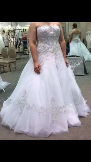 Wedding Dress for Sale in Mammoth Cave, KY