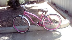 Hend Beach cruiser for woman 26 inches for Sale in Woodlake, CA