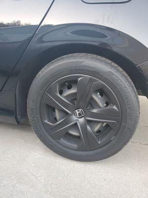 Honda 2018 steel rim with painted black hubcaps for Sale in Artesia, CA
