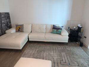 White Leather Couch - AMAZING CONDITION for Sale in Miami, FL