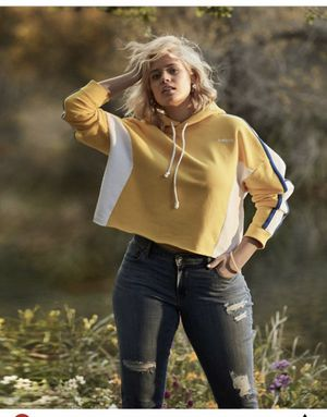 New Macy's Levi's yellow Reverse Weave Hoodie 14/16 1x XL BRAND NEW MsrP $55 for Sale in Cape Coral, FL