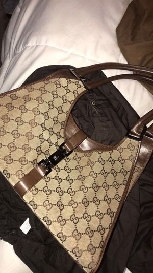 Gucci hang bag for Sale in Dearborn, MI