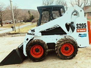 PRICE $3OOO BOBCAT SKID STEER PERFECT CONDITION for Sale in Wichita, KS