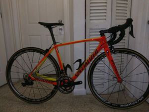 2017 Specialized. Road bike for Sale in Hialeah, FL