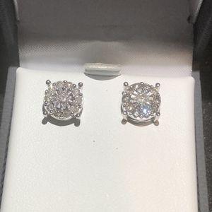 Diamond 💎 Stud Earrings for Sale in East Los Angeles, CA