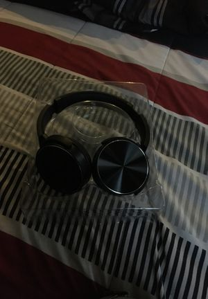 Bluetooth headphones for Sale in East Haven, CT