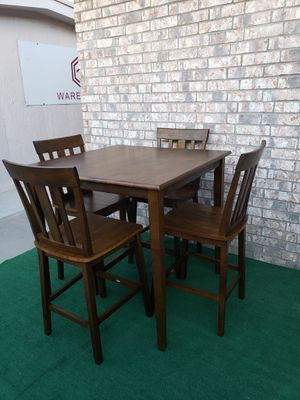 NUEVO - BRAND NEW COUNTER HEIGHT TABLE AND 4 CHAIRS for Sale in Independence, KS