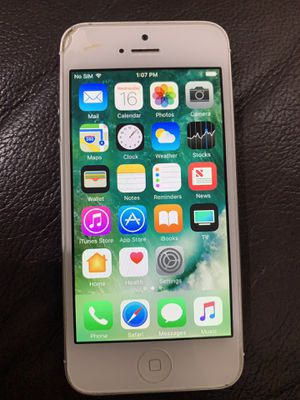 IPhone 5 UNLOCKED 32GB (cracked) for Sale in New York, NY