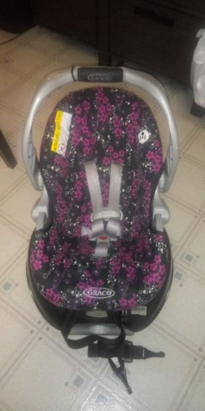 Infant car seat for Sale in Springfield, MO