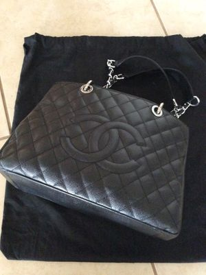 Pebbled leather bag CHANEL for Sale in Phoenix, AZ