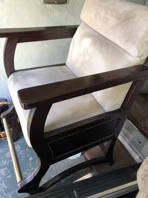 Big wide chair asking $75 o.b.o. classic antique. for Sale in Los Angeles, CA