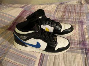 Rare Jordan 1 mid, Size 6.5y for Sale in Santa Rosa, CA