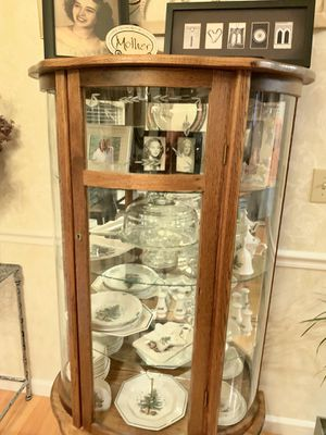 Antique solid Oak China Cabinet for Sale in Ooltewah, TN