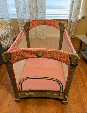 Graco Pack 'N Play portable playpen for Sale in Grand Prairie, TX