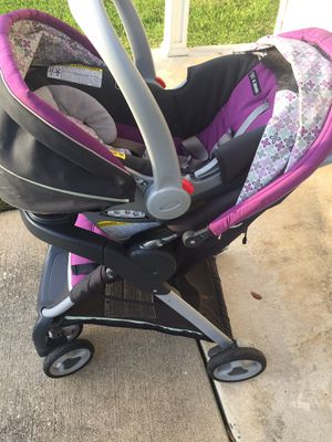 Graco Travel System with base for Sale in Port St. Lucie, FL